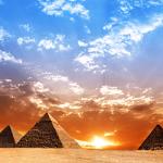 夏至ピラミッド