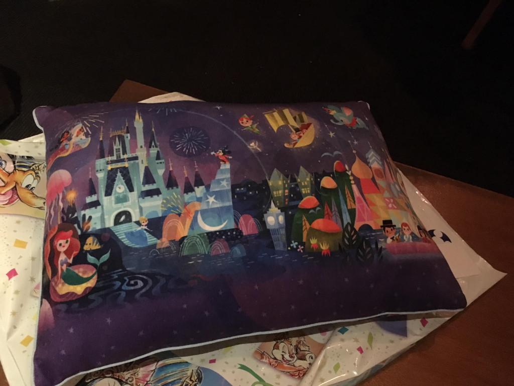 ディズニー枕